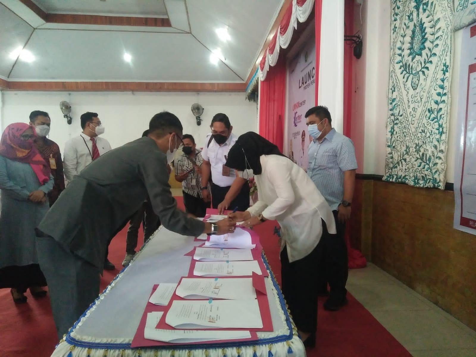 Walikota Kotamobagu Launching UMKM Center dan PusdalBaper